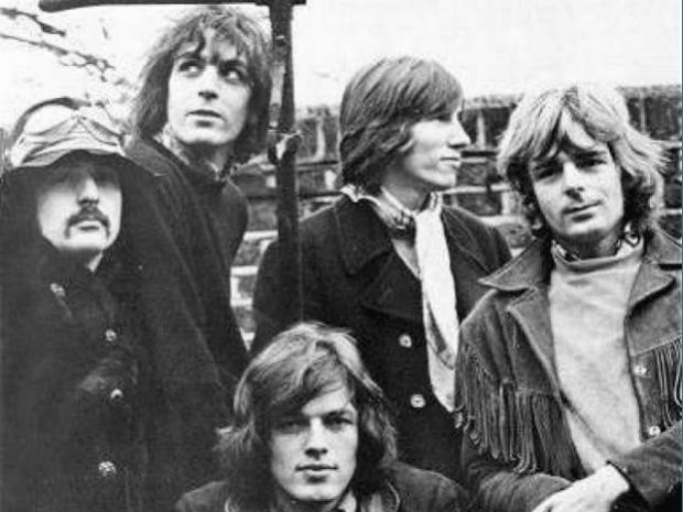 Gilmour llegaba para reemplazar a Barret mientras éste miraba hacia otros lados...