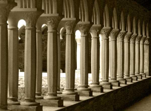 Columnas como pilares la hoja de arena for Pilares y columnas